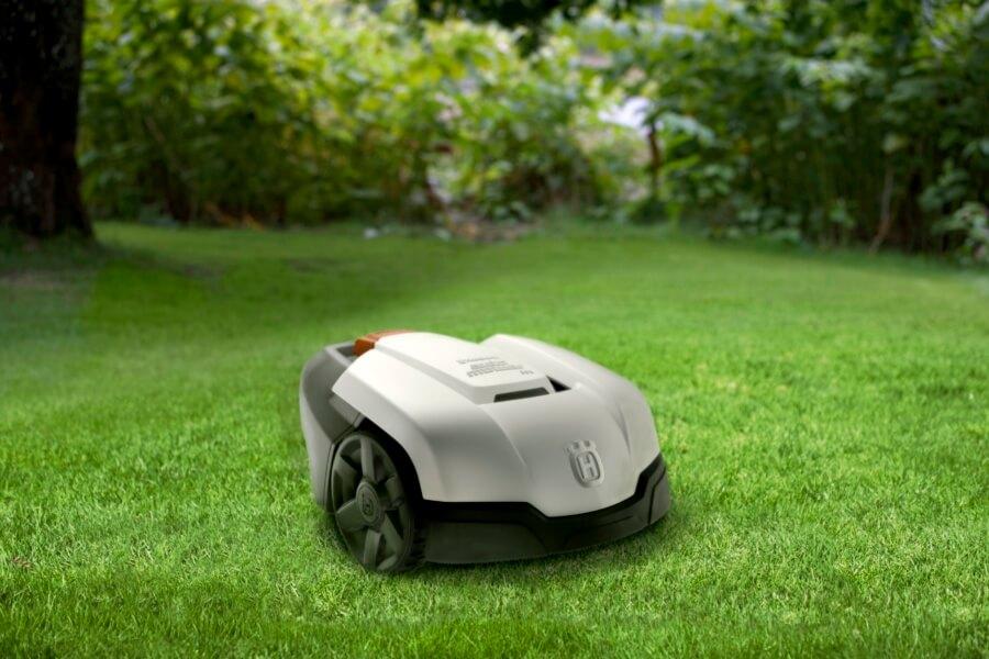 husqvarna automower 305 im rasenroboter test testsieger. Black Bedroom Furniture Sets. Home Design Ideas